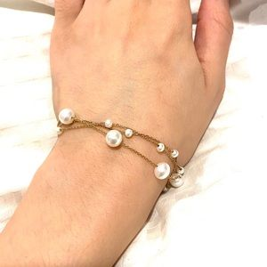 Gold String Pearl Bracelet 18k gold